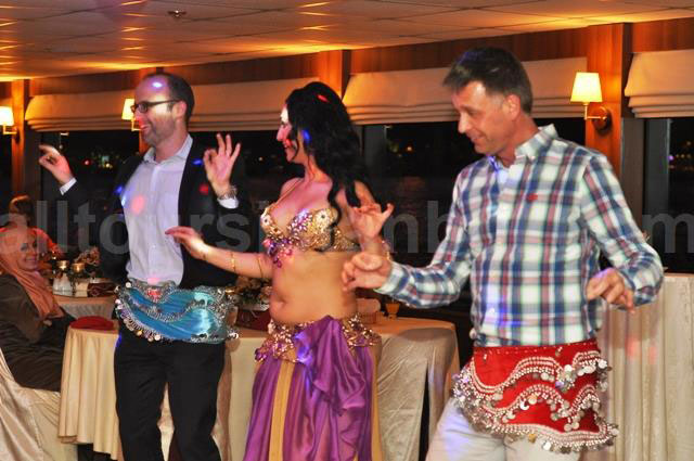 Bosphorus_Dinner_Cruise_Turkish_Night_Show_3.jpg