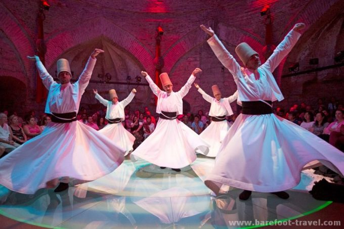 whirling-dervish-istanbul-show-5.jpg